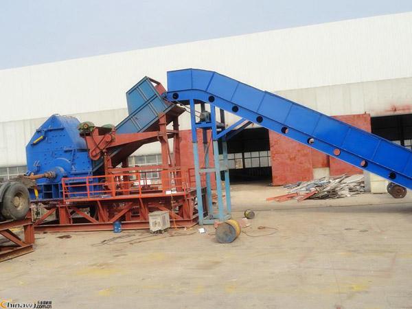 废铁破碎机生产线工作视频